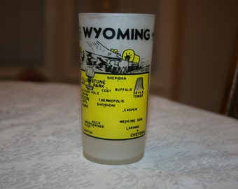 Vintage Wyoming State Souvenir Glass Yellow Black Frosted Tumbler