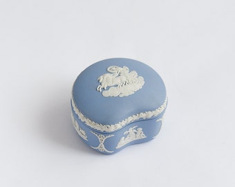 Vintage Wedgwood Blue Trinket Jewellery Box Jasperware Excellent Condition Beautiful Gift