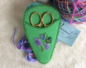 Green floral bead embroidered scissors case