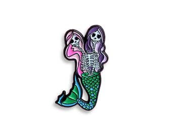 Mermaid Siamese BFF Skull Lapel Pin