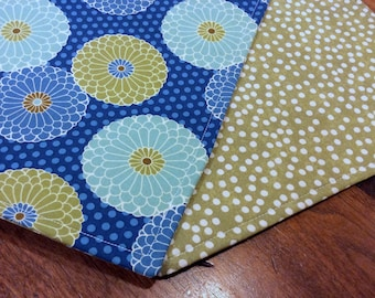 Placemats Set of 4 Reversible Modern Flower Motif Tones Of Bold Blues Pale Teal Moss Green & Brown
