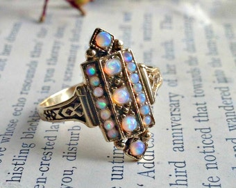 Art Deco Style 9ct Gold & Opal Ring