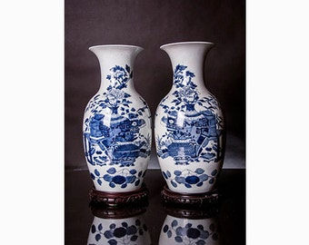 Chinese Vases blue & white porcelain marked with double rings with wooden stands