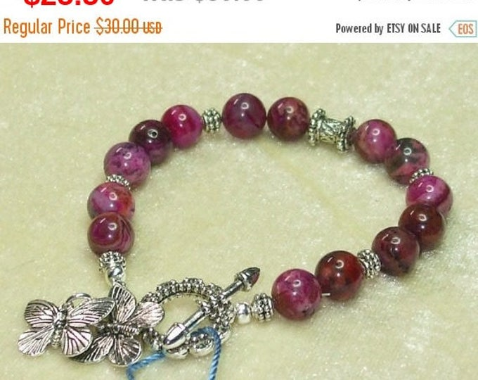 Crazy lace agate bracelet in cranberry