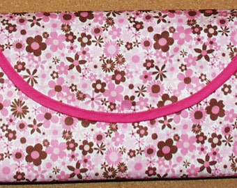Baby Travel Change N Go Purse/Pad with Pockets Flowers and Pink, Water and Urine Resistant Free Shipping