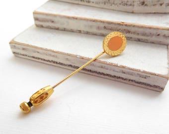 Vintage Peach Enamel Gold Tone Oval Stick Pin Q19