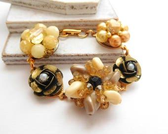 Repurposed Vintage Bead Cluster Flower Gold Rose Cream Peach Charm Bracelet R29