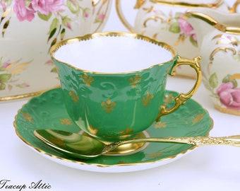 Aynsley Vintage Green Teacup And Saucer Set With Gold Fleur-de-Lys , English Bone China Teacup Set With Fleur De Lis Decoration, ca. 1960