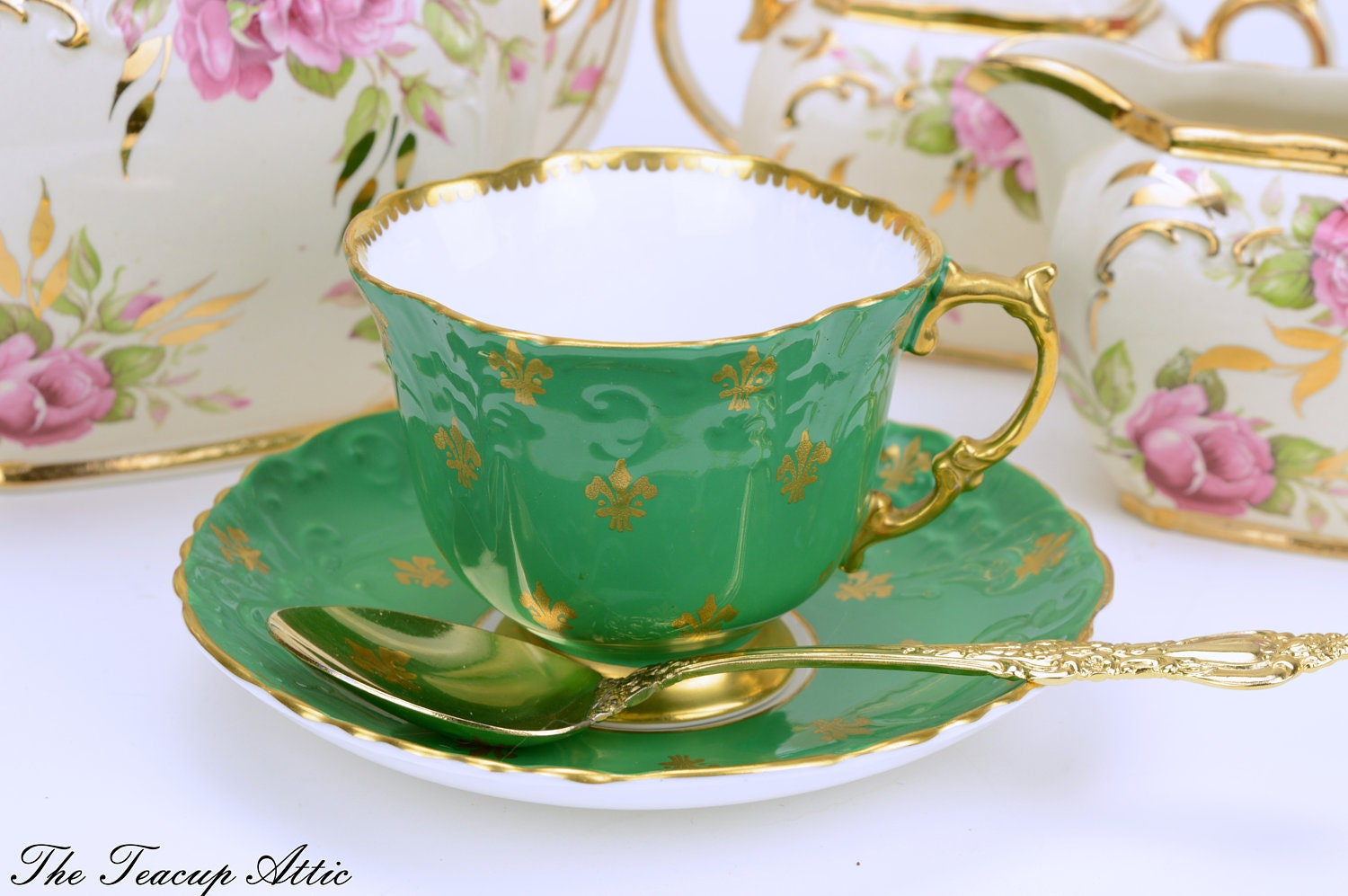 Aynsley Vintage Green Teacup And Saucer Set With Gold Fleur-de-Lys , English Bone China Teacup Set With Fleur De Lis Decoration, ca. 1960