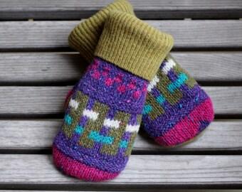 Child 6 to 10yrs Wool Mittens, Sweater Mittens, Upcycled Wool Sweater Mittens, Fleece Lined, Kids Mittens