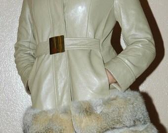 1970's Vintage Tan Leather Coat Fox Fur Trim