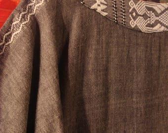 Vintage 1980 Grey White Boho Navajo Embroidered Sheath Dress