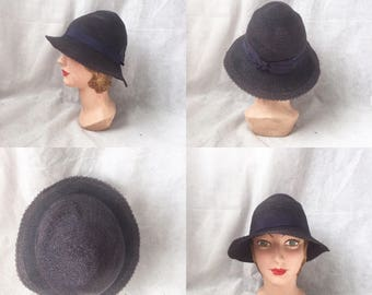 1920s brimmed cloche in navy straw