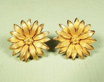 Sunflower Lapel Pin - Vintage Gold Tone Small Scatter