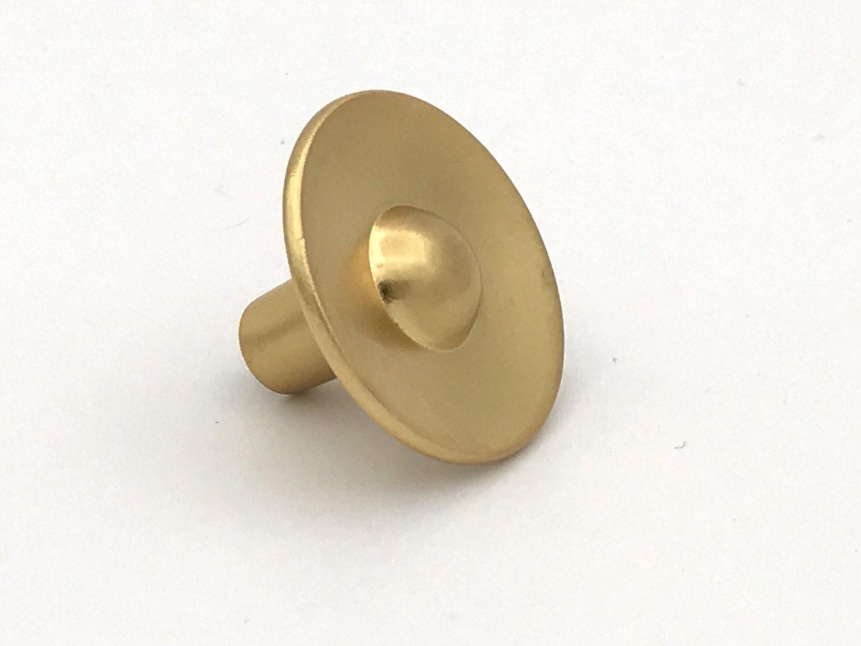 cabinet knob in brushed brass kitchen cabinet knobs cabinet. Black Bedroom Furniture Sets. Home Design Ideas