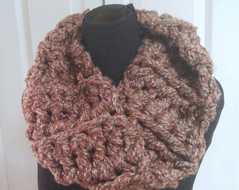 soft brown infinity cowl chunky loopy