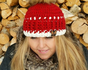 Womens Crocheted Hat /Faux Fur Pompom
