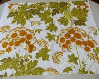 Vintage Swedish piece of cotton fabric - Wild chervil