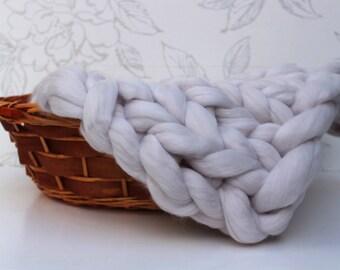 Pearl Grey Chunky Knit Merino Blanket, Gray Posing Blanket, Newborn Photo Prop, Pale Grey Roving Blanket, Merino Posing Layer