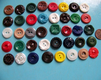 Lot of 40 Colorful Fancy Hard Plastic Buttons 3/4""