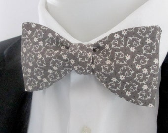mens bowtie in grey floral quality cotton     - option of fittings ~ self tie ~ freestyle