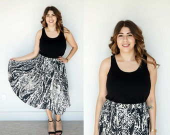 80s Animal Print Pleated Skirt / Leopard Print Skirt / Black and White Pleated Skirt / Midi Skirt / Elastic Skirt / High Waist Skirt / M