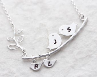 Love birds necklace. Bird Necklace. Personalized birds . Silver Bird pendant. Mothers Day gift. Family gift. Mothers necklace