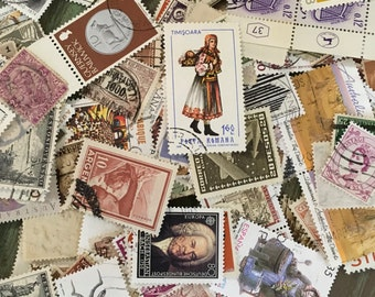 Foreign Stamps / 50 Neutral Vintage Collectible Foreign Postage Stamps Cancelled Assorted