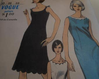 Vintage 1960's Vogue 6476 Dress Sewing Pattern, Size 10 Bust 31