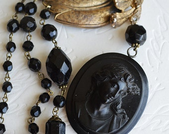 Victorian Vulcanite Mourning Cameo Vintage Tortolani Leaf Brooch French Jet Necklace