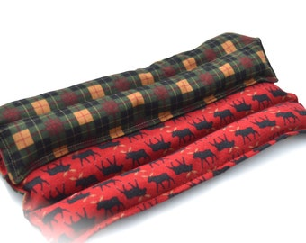 Winter flannel Moose Heating pad, Microwavable aromatherapy heating pad, red and green holiday Plaid