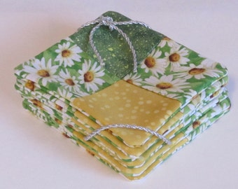 Coaster Set Daisy Patchwork Quilted Weave With Inner Layer Of Batting And Reversible Back