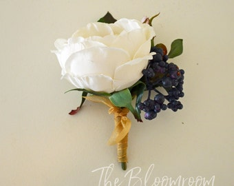 Silk buttonhole / Rustic buttonhole / Men's wedding boutonniere / Grooms flowers / Rustic boutonniere / Men's wedding buttonhole