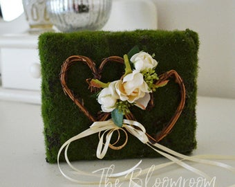 Moss ring carrier / Wedding ring carrier / Alternative ring pillow / Wedding ring bearer / Wedding / Decorations / Wedding décor / Rustic