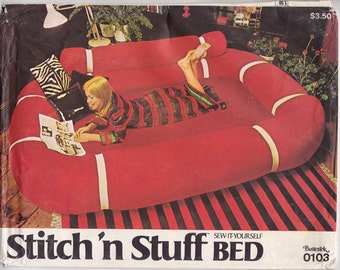FF Stitch 'n Stuff Bed Sewing Pattern [Butterick 0103] Consists of Ring, Bolster & Mattress Cover for Twin or Double Bed, UNCUT