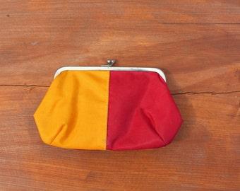 Soviet vintage make up bag Soviet cosmetic bag Vintage toiletry bag Soviet vanity bag 1979 Retro cosmetic bag 70s Kiss lock cosmetic bag