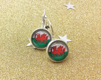 Welsh dragon drop earrings, welsh flag design, wales rugby, hen party earrings, st davids day, welsh heritage, proud to be welsh, green, red