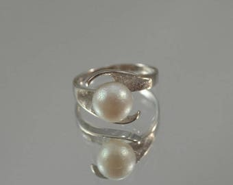 DEADsy LAST GASP SALE 14K White Gold Pearl Ring, Natural Pearl Ring, White Gold Ring, Handmade Floral Ring