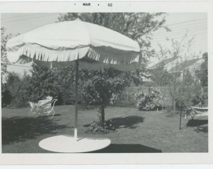 Vintage Snapshot Photo: Patio Umbrella, Baby Carriage, 1962 (610513)
