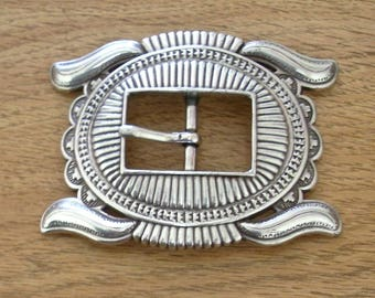 Free shipping! Large western silver plated belt buckle. Gorgeous!