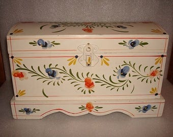 Unique Hand Painted Wood Humpback Decorative Floral Design Storage Box / Trinket Box