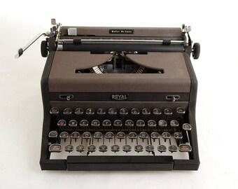 Typewriter, Royal Quiet De Luxe, 1940s