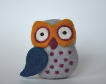 Small NEEDLE FELTED OWL / Made in Maine by Caryn Burwood of Purple Moose Felting