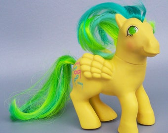 Vintage 1985 My Little Pony Masquerade figure C85 Near Mint Twinkle Eye Pegasus Ponies