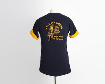 Vintage 80s USN TSHIRT / 1980s US Navy Divers Go Down Crewneck Lined Navy & Gold Tee  M