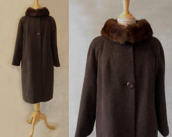 Brown Mohair & Wool Coat With Fur Collar - 1960s