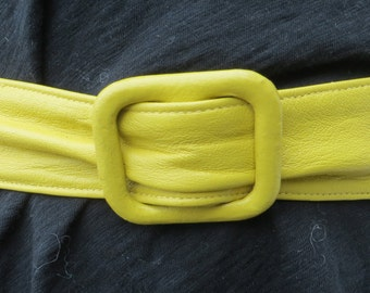 Vintage 1960's yellow leather wrap belt sz M VLV Mad Men glam rockabilly