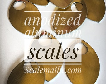 100 large anodized aluminum of scales (gold)