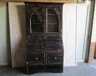 Cabinet made from reclaimed wood in the USA