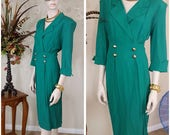 Beautiful green Vintage 90s dress size 8 by Hearts